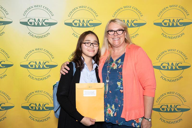 Scholarships-Awards-2019-0857.jpg