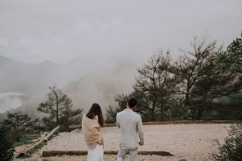 Tu-Nguyen-Destination-Wedding-Photographer-Rougon-South-of-France-Videographer-Ryan-Sophia-127.jpg