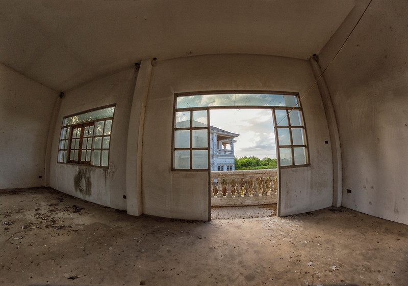 AbandonedMansdw40.jpg
