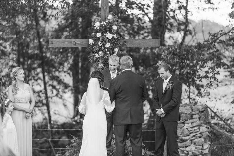 510_Aaron+Haden_WeddingBW.jpg