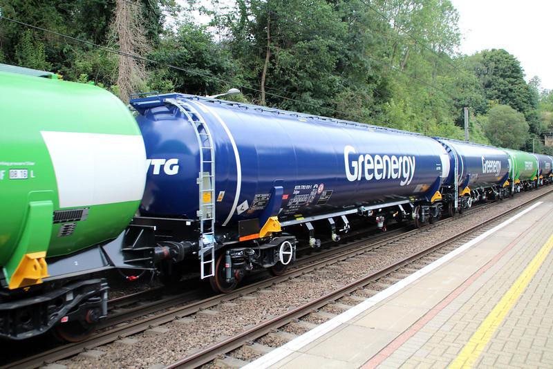 New GBRF TEA 83.70.7792010-1 on 6E92 Acton Lane-Immingham passes Welwyn North 23/08/12.