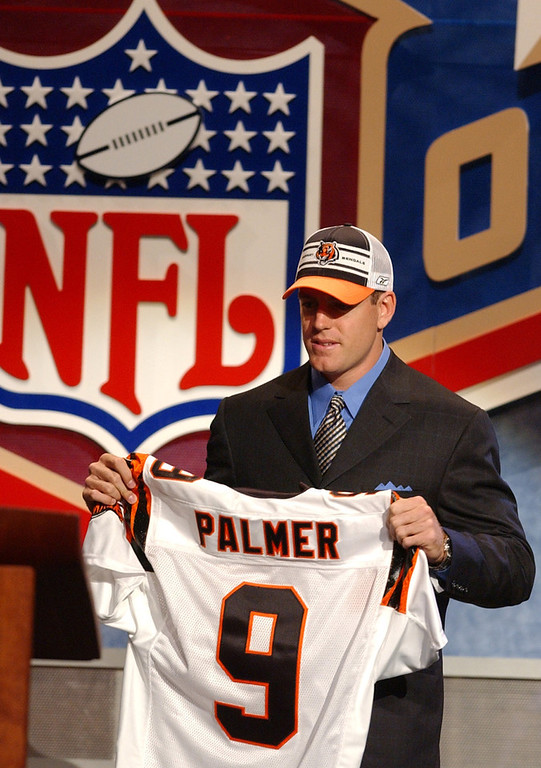 . Carson Palmer, USC Selected first overall by the Bengals in 2003 Since earning back-to-back Pro Bowl nods in 2005 and �06, Palmer�s career has started to fizzle. The Bengals and Raiders are 29-47 in games he has started since then, including a 12-28 record the last three seasons. Palmer also briefly retired following the 2010 season before being dealt to the Raiders, where he has thrown 35 touchdowns and 30 interceptions in 24 starts. GRADE: C-. For a second, he looked like a stud. It was a brief second, though. (AP Photo/Frank Franklin ll)