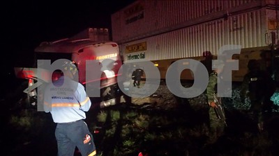 death-toll-from-bustrain-crash-in-mexico-now-at-20