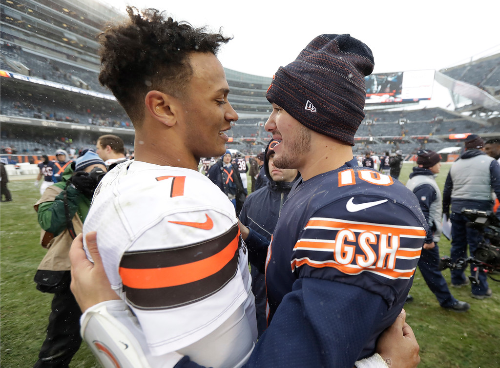 . Cleveland Browns quarterback DeShone Kizer, left, and Chicago Bears quarterback Mitchell Trubisky (10) talk after an NFL football game in Chicago, Sunday, Dec. 24, 2017. Chicago won 20-3. (AP Photo/Charles Rex Arbogast)