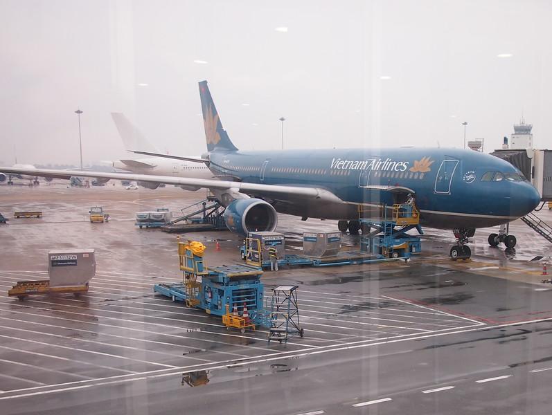 PB298723-vitnam-airlines-sgn-han.JPG