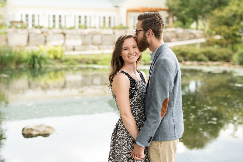 Knoxville-Engagment-Pictures.jpg