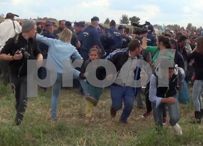 camerawoman-sorry-for-kicking-refugee-in-hungary-after-caught-on-video