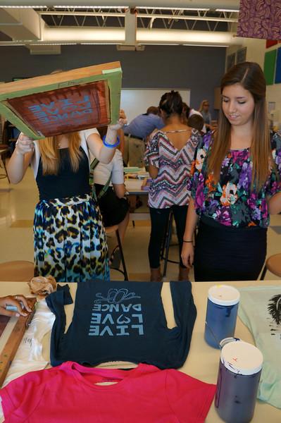 Lutheran-West-Art-Class-Silk-Screen-T-Shirts--September-2012--107.JPG