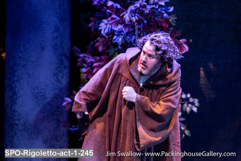 SPO-Rigoletto-act-1-245.jpg