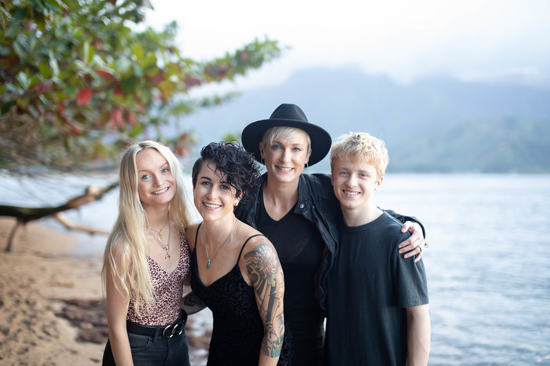 kauai family photos-107.jpg