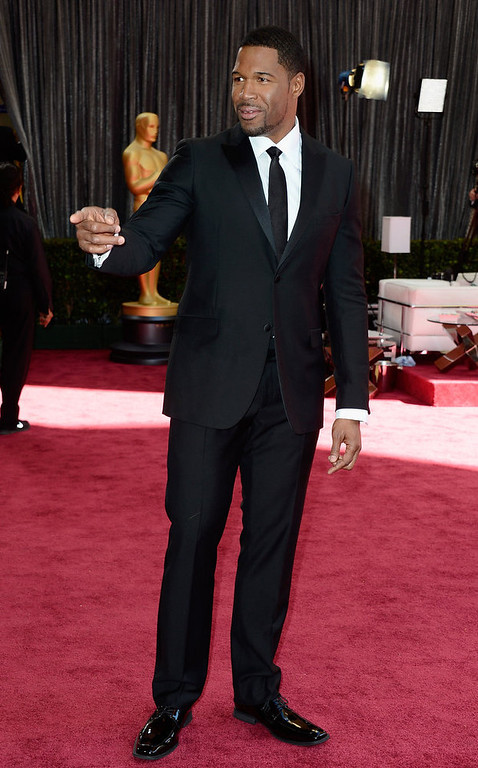 . TV personality Michael Strahan arrives at the Oscars at Hollywood & Highland Center on February 24, 2013 in Hollywood, California.  (Photo by Frazer Harrison/Getty Images)