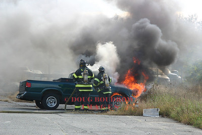 Saugus, MA - Vehicle Fire, 1333 Broadway, 10-6-06