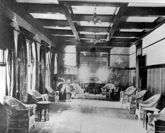 Court Ballroom - 1902.jpg