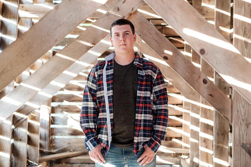 Tyler-Senior-103.jpg