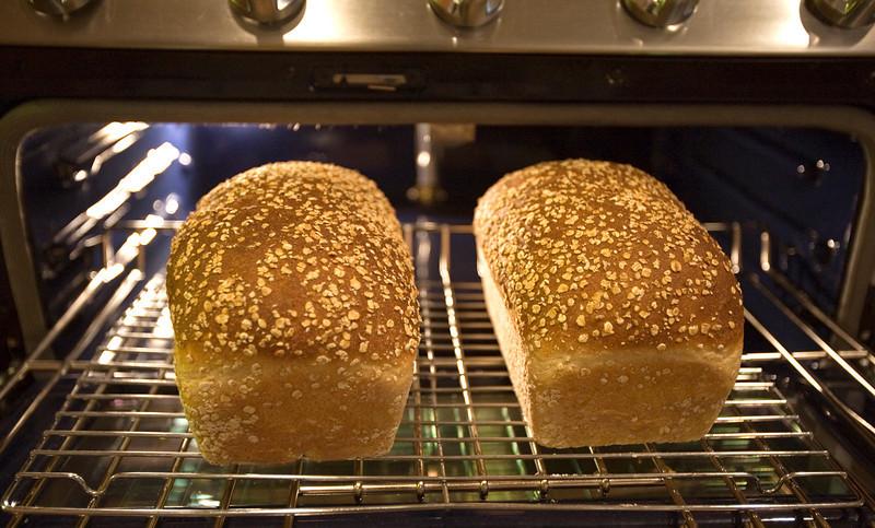 oatmeal_bread.jpg