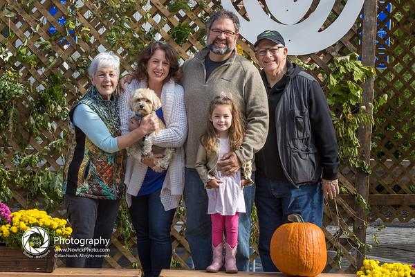 High Resolution Sukkot Family Portraits