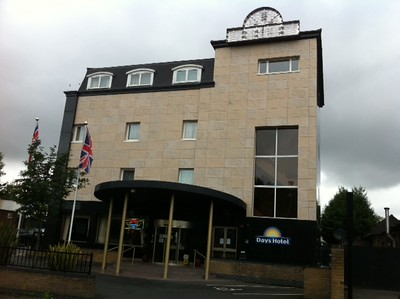 Porcelanosa- Days Inn Hotel South Ruislip