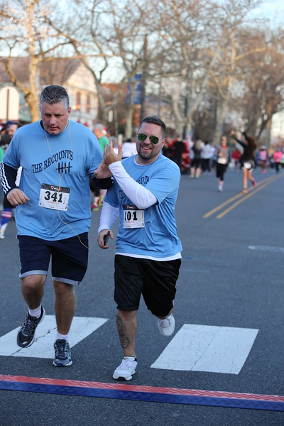 Toms River Police Jingle Bell Race 2015 - 01122.JPG