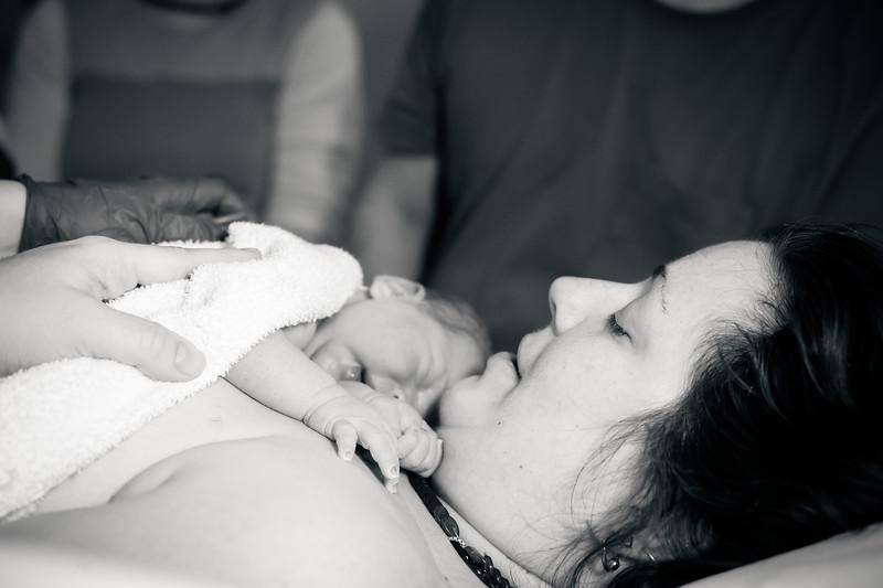 Alana, Blair and baby Logan BIRTH-145.jpg