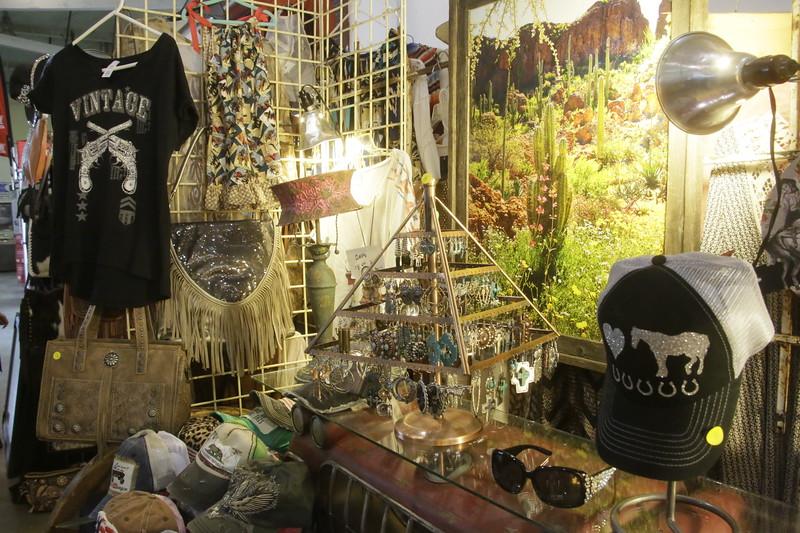 HumCoFAIR.RIDES.Crafts.Foods.Vendors.SW528.JPG