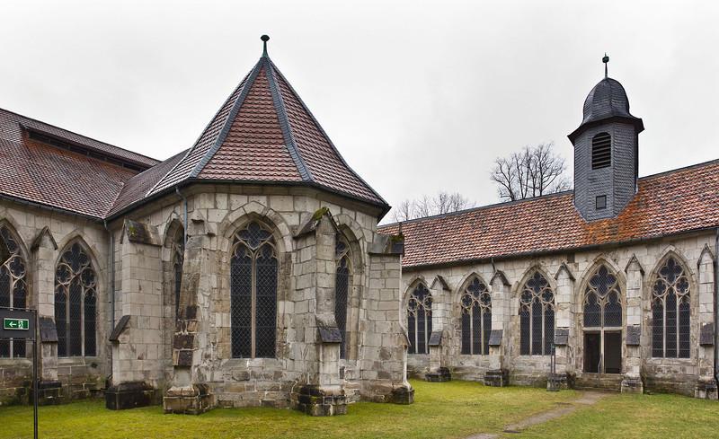 Walkenried, Klosterkreuzgang. Brunnenhaus im Südflügel und Fassade