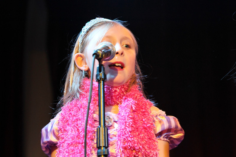 2011.12.12 Suzi Shelton Concertf-91.jpg