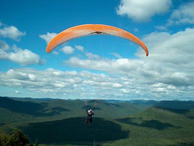 Journee Parachute