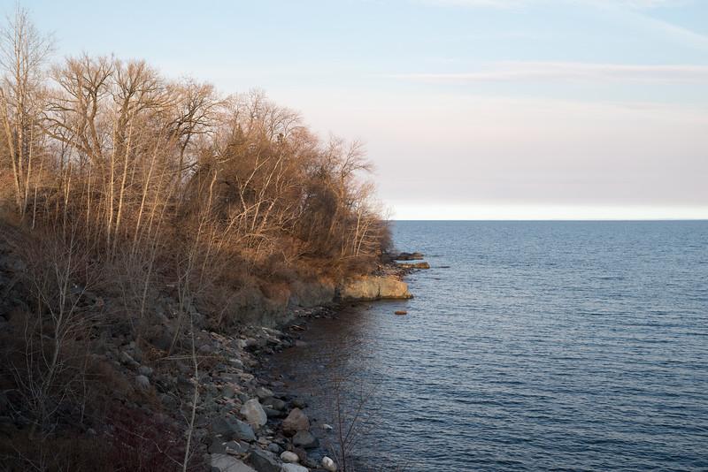 Duluth Lake Walk 4-17-0507.jpg