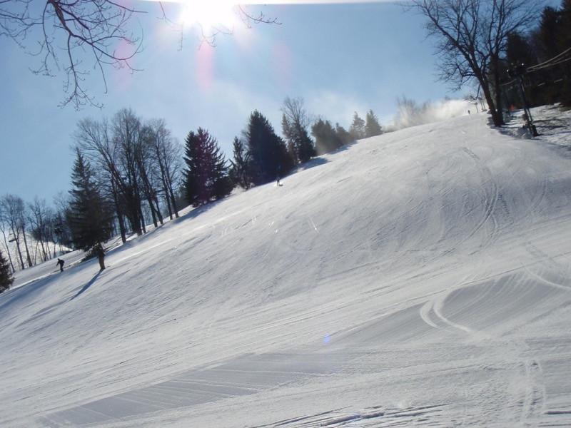 SnowTrailsOpeningDay12_16_09_022.jpg