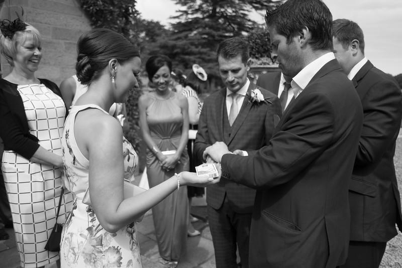 Cross Wedding-422.jpg