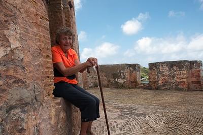 Fort Beekenburg & Playa Kanoa
