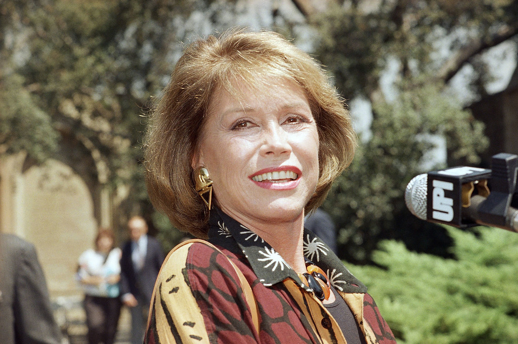 . Actress Mary Tyler Moore at the funeral of former co-star Ted Knight, August 29, 1986. (AP Photo/Nick Ut)