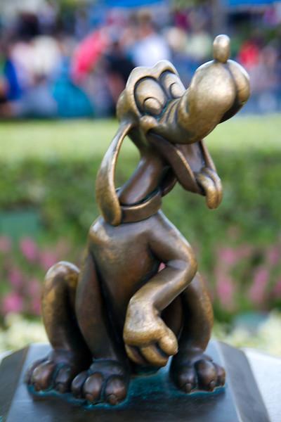Pluto Statue