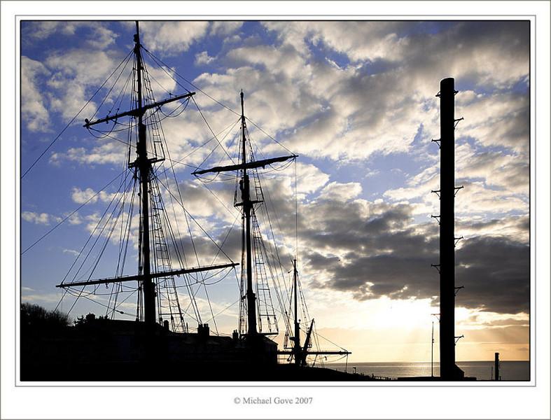 Tall ships in the morning (73111716).jpg