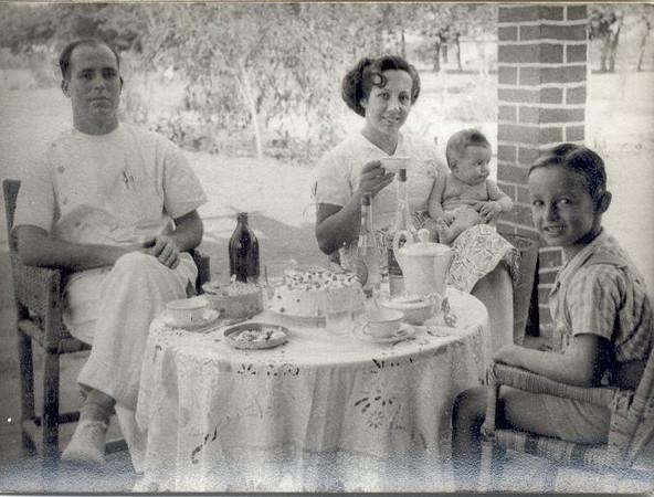 Marco 1956, Enfº Garrido, esposa e filhos Vasco e Ana Maria