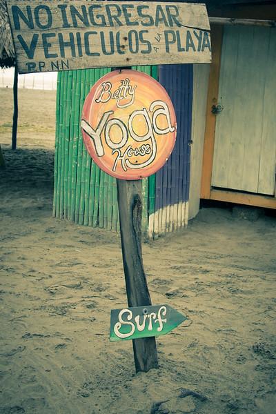 Canoa yoga.jpg