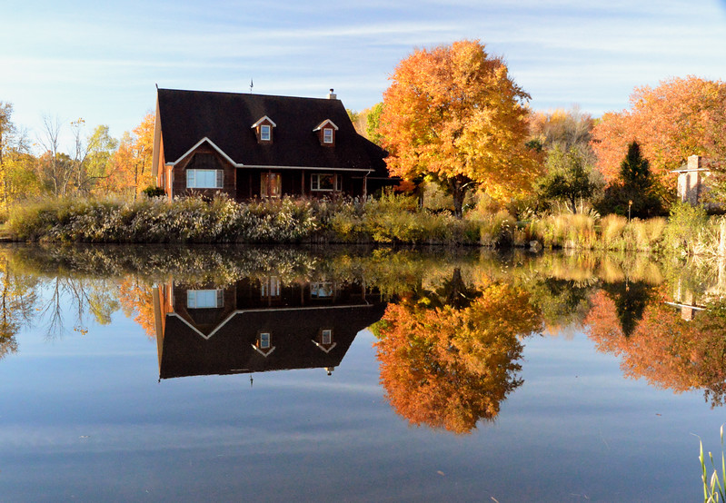 Kilian-road-house-pond-Oct23.jpg