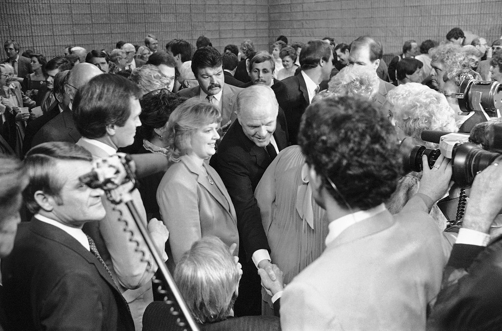 . Democratic presidential candidate Sen. John Glenn makes his way through the crowd shaking hands on Friday, March 2, 1984 at his reception in Atlanta before the state party\'s Jefferson-Jackson Day dinner.   March 13 is primary election day in Georgia. (AP Photo/Charles Kelly)
