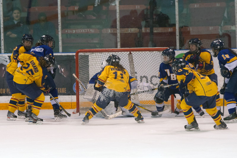20130310 QWHockeyvsUBC 719.jpg