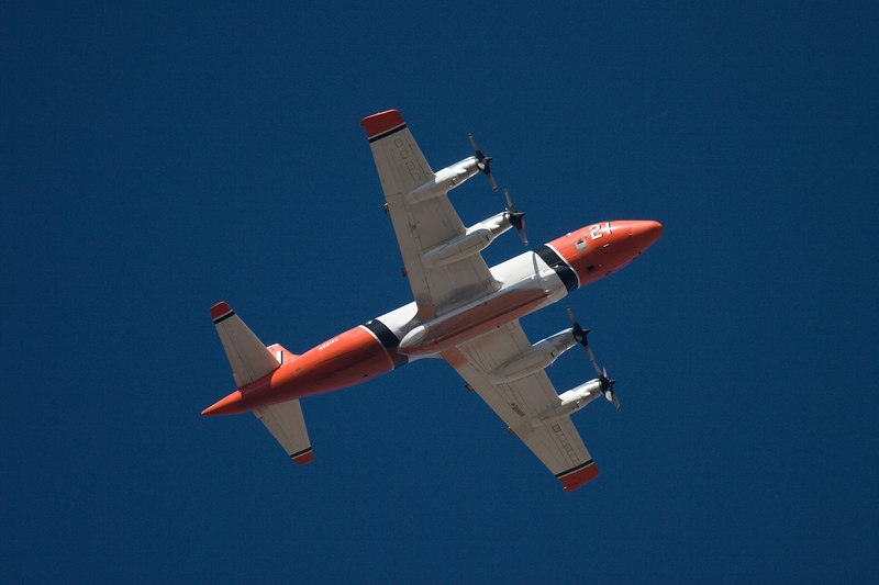 Forest Service slurry bomber on approach to Kirtland AFB, NM