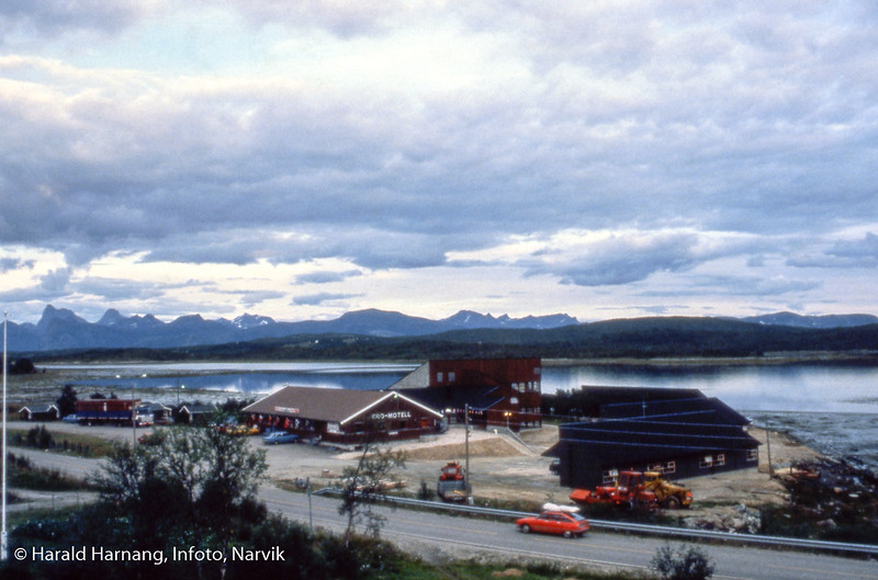 Storjord i Tysfjord, camping og hotell-anlegg.