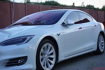 Tesla Model S - Pearl White Multi-Coat 2