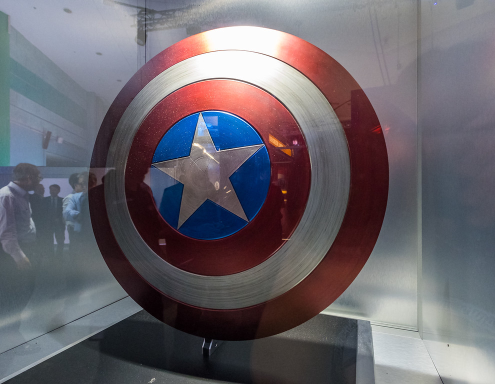 MARVEL'S AVENGERS S.T.A.T.I.O.N. - Captain America shield