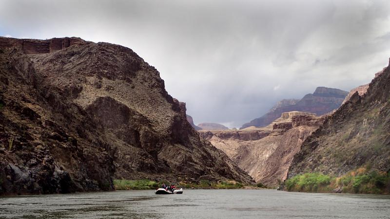 P5080854 overcast river scene.jpg