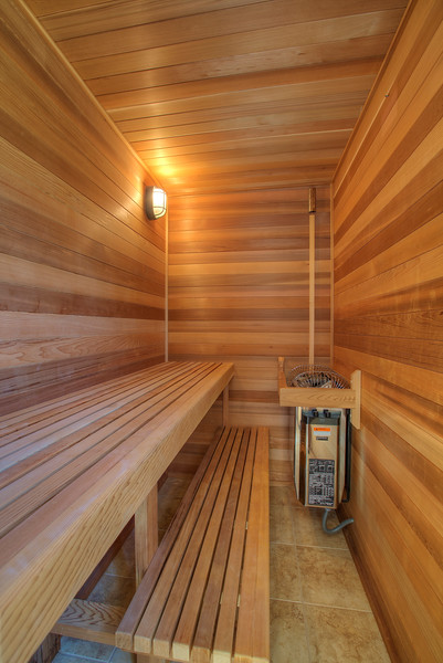 sauna in master.jpg