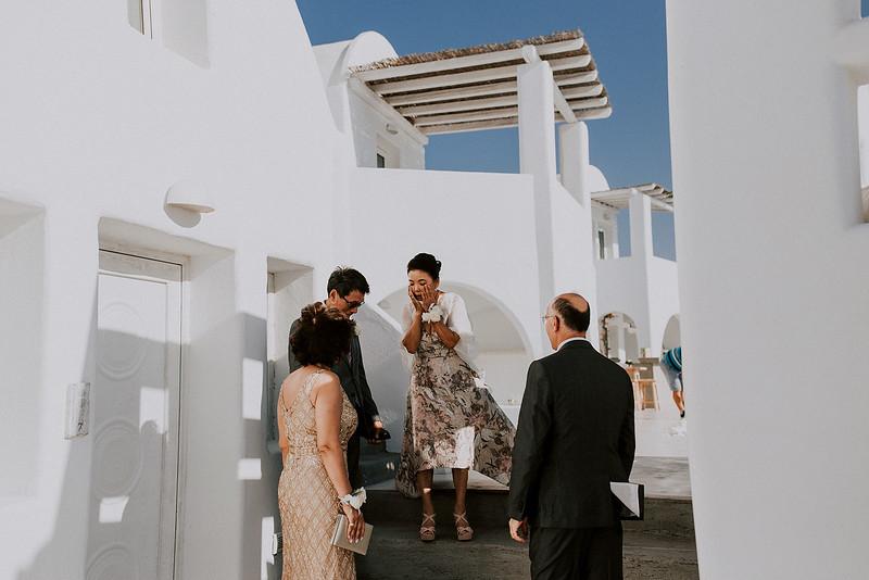 Tu-Nguyen-Destination-Wedding-Photographer-Santorini-Rocabella-Hotel-Euna-Ehsan-276.jpg