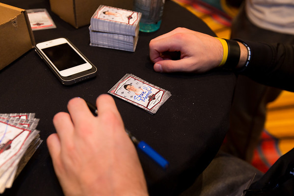 TOPPS FOOTBALL CARD SIGNING