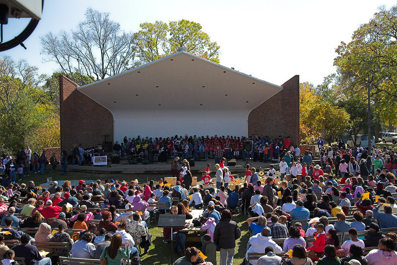 The next day, Saturday, the school met with 5 or 6 other schools to repeat the performance. All the schools had practiced the same musical, and each school did one part of it here. It was a big thing - this only half the crowd.  Centennial Park, Saturday, October 28th, 2006.