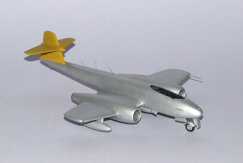 Meteor F.8 A2, 05s.jpg