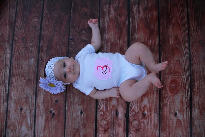 Evie-3 months (153).JPG